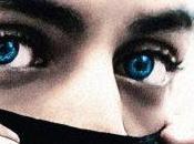 yeux bleus Critique