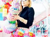 Avril Lavigne teste style Kawaii avec clip Hello Kitty