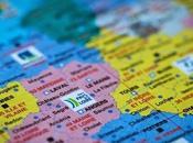 """POLITIQUE collage papier """"déco"""" régions françaises serait-il... mauvais goût"""