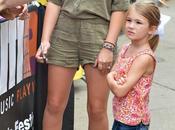 Jamie-Lynn Spears rencontre fans lors d'un concert Nashville 08.06.2014