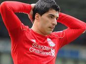 Premier League Suarez suspendu quatre mois