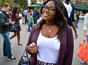 sourire dans rues Paris