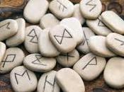 runes dans arts divinatoires