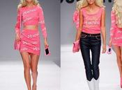 Chez Moschino, Jeremy Scott nous transforme Barbie