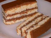 Gâteau (ricotta, chocolat blanc, blancs d'oeufs) fourré gianduja