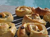 Escargots briochés crème pâtissière, raisins secs/pralines roses