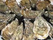 Huîtres claire nappées d'un voile iodé crème montée mignonnette grise, caviar osciètre