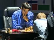 Carlsen gagne, Anand oublie Cxe5