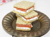 Sandwich apéritif crème pavot saumon fumé