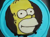 Layer cake d'anniversaire Homer Simpson chocolat noir, purée noisette blanc)