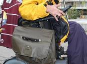 Conte Noël: Chris McSorley offre fauteuil roulant d'une valeur 25'000.- chf. Éric Grassien