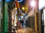 Joyeuses fêtes sous lumière bleuté illuminations Nice