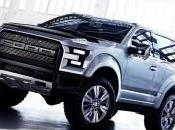 Ford Raptor 2016 sous projecteurs