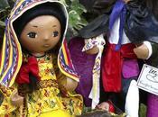 Creaciones Utzil poupées artisanales portant costumes traditionnels Guatemala