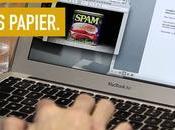 magazine Humanoïde déchire pages pour défendre presse papier