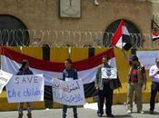 Yémen peuple manifeste Sanaa contre l'agression meurtrière saoudienne
