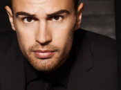 Theo James, nouvelle égérie d'Hugo Boss