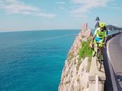 champion trial réalise figures incroyables avec vélo course