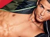 Vidéo Cristiano Ronaldo fait jongles slip pour
