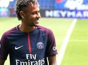 Neymar incroyable garde corps