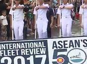 Pattaya, navires guerre, marins défilé pieds dans l'eau (vidéo)