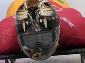pilotes Skeleton présentent casques incroyables
