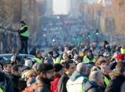 Parisiens encore toujours solidaires gilets jaunes Rendez-vous avec Aimer Paris samedi novembre heures l'angle Quai Branly l'avenue Bourdonnais