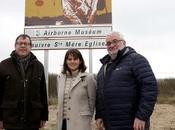 #Tourisme Nouvelle signalisation touristique dans Manche premiers panneaux posés