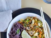 légumes d'hiver nouilles noir l'asiatique bas)