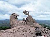 Aigle géant béton Rajiv Anchal
