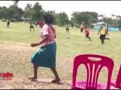 Football Thaïlande, grand-mère-groupie enflamme réseaux sociaux