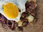 Galette steak haché, oeuf, Saint Nectaire