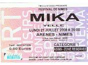 Mika émerveille Arènes Nîmes vice-versa)